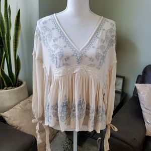 American Eagle Outfitters Long Sleeve embroidered